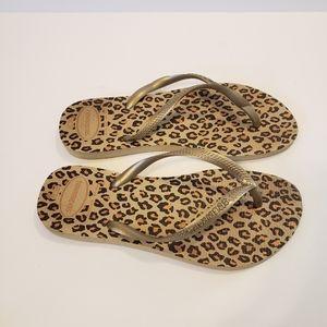 Havaianas gold leopard pattern flip flops